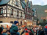 Weihnachtsmarkt in Oberwesel am Rhein, 13. Dezember 1998, Foto 25 © Wilhelm Hermann, Oberwesel