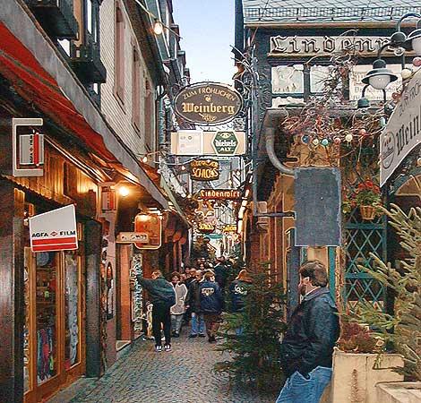 Weihnachtsmarkt Der Nationen Auf Dem Marktplatz In